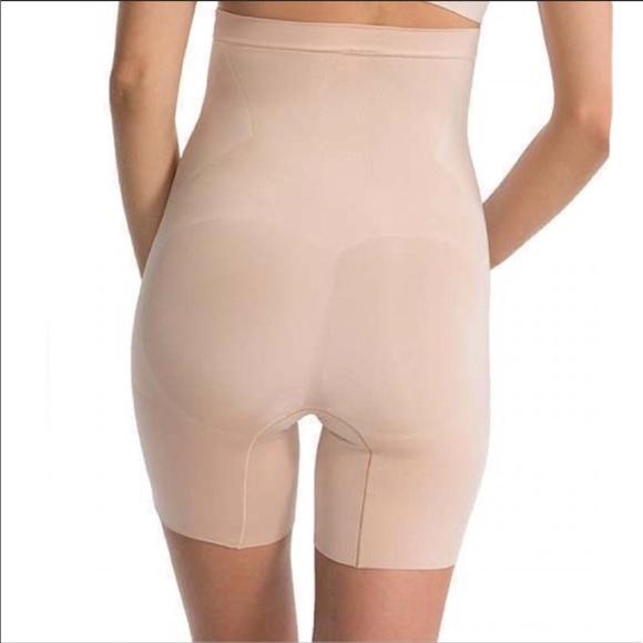 91974573e7c5c SPANX OnCore High Waist Mid Thigh Shorts. Size L.